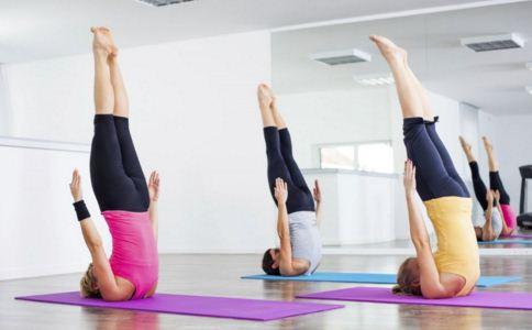 这几个瑜伽动作帮助你减掉腹部赘肉