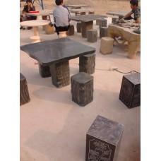 园林石雕桌椅的选材