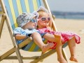 带娃日光浴要注意:皮肤晒伤后可不是简单的脱皮和黑那么简单