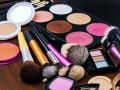 化妆品会伤害皮肤吗?怎样鉴别化妆品是否是纯天然的?