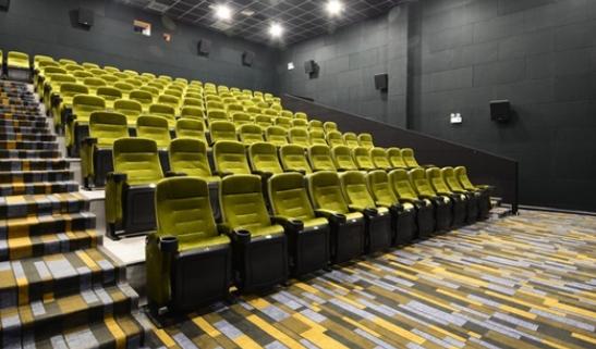 中国电影票房9年首次负增长