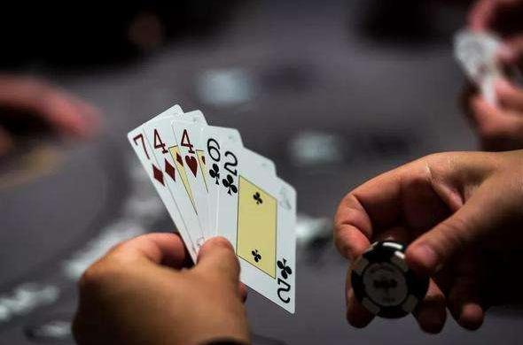 Facebook人工智能玩德州撲克擊敗世界級選手