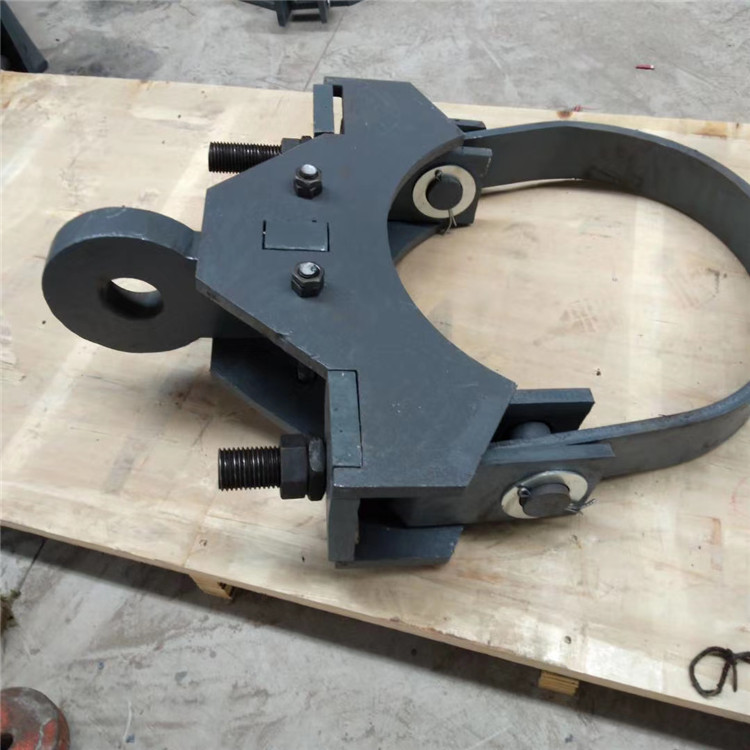 源头厂家生产 C型钢带管夹 管卡管夹 化工厂配件 一年质保